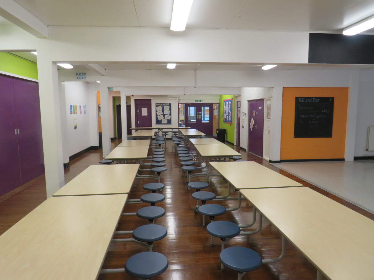 Canteen (Small) - Bosworth Academy - Leicester - 1 - SchoolHire