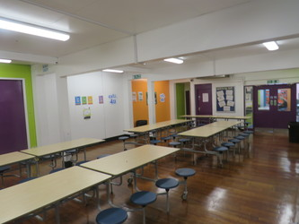 Canteen (Small) - Bosworth Academy - Leicester - 2 - SchoolHire
