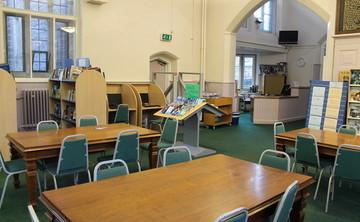 Specialist Classroom - SLS @ Lancaster Royal Grammar School - Lancashire - 1 - SchoolHire