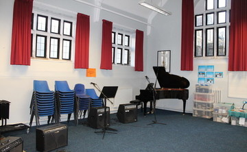 Specialist Classroom - SLS @ Lancaster Royal Grammar School - Lancashire - 2 - SchoolHire