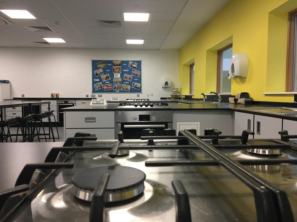 Food Tech Room - Midhurst Rother College - West Sussex - 3 - SchoolHire