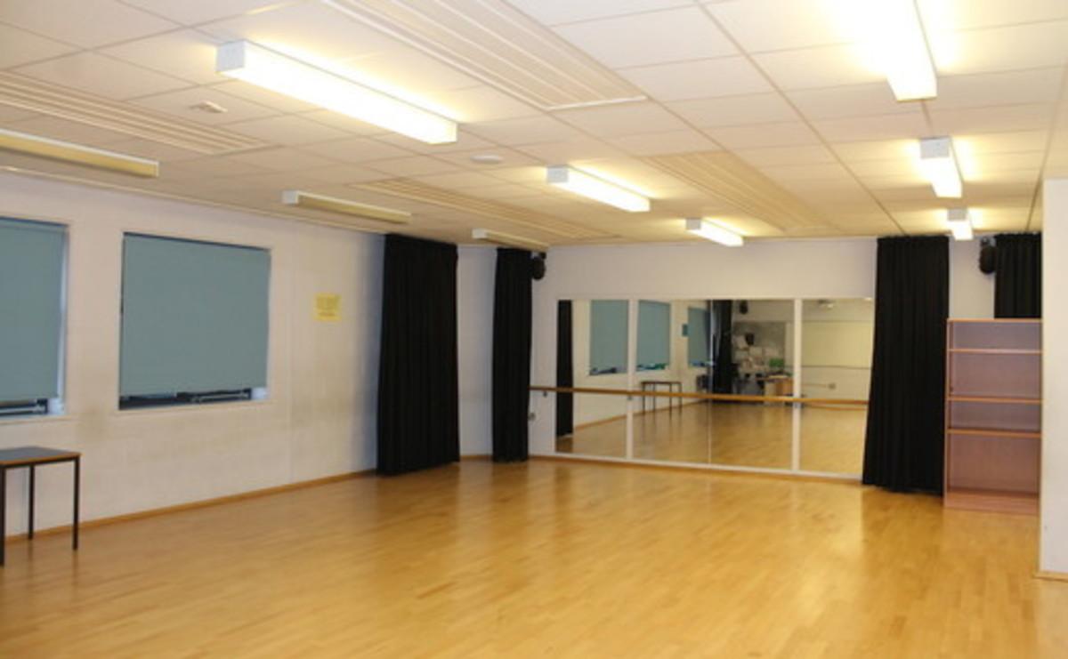 Dance Studio  - SLS @ Long Eaton School - Nottingham - 1 - SchoolHire