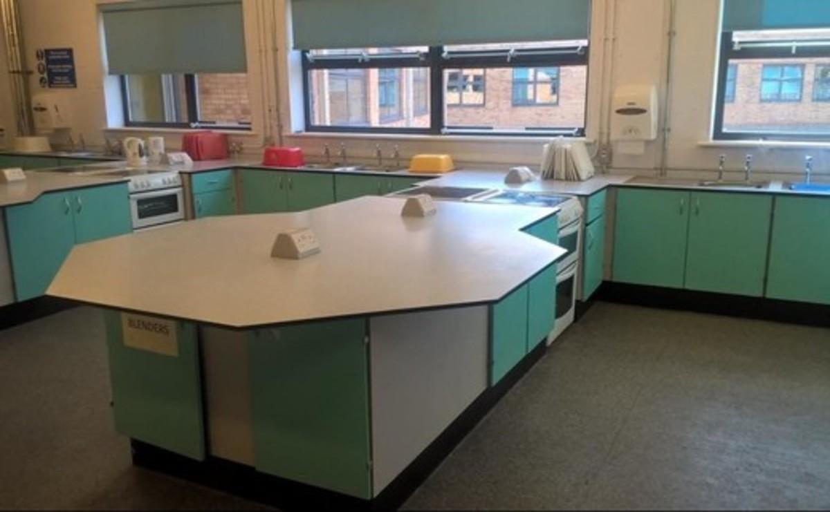Specialist Classroom - Cookery Room - SLS @ Long Eaton School - Nottingham - 1 - SchoolHire