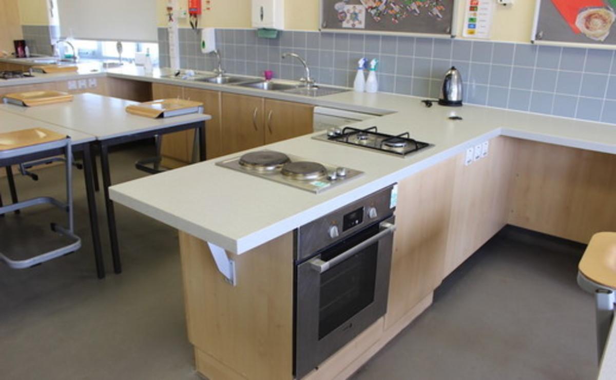 Specialist Classroom - Cooking Room - SLS @ Magdalen College School - Northamptonshire - 1 - SchoolHire