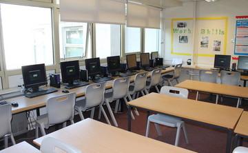 Specialist Classroom - IT Suite - SLS @ Mayflower High School - Essex - 1 - SchoolHire