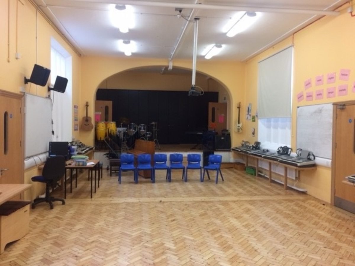 Music Room - St. Michael's Catholic Grammar School - Barnet - 1 - SchoolHire