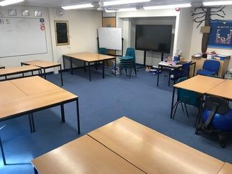 Classroom - Standard (Sun Hill) - The Perins MAT - Hampshire - 1 - SchoolHire