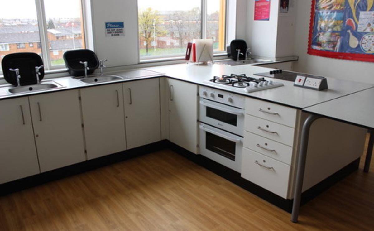 Specialist Classroom - Cooking Room  - SLS @ Oasis Academy MediaCityUK - Manchester - 1 - SchoolHire