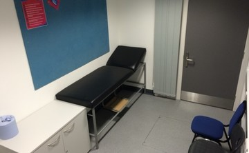 Physiotherapy Room  - SLS @ Oasis Academy MediaCityUK - Manchester - 1 - SchoolHire