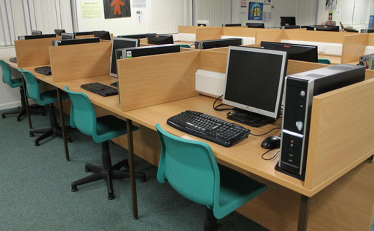 Specialist Classroom - IT - SLS @ Kettlethorpe High School - West Yorkshire - 1 - SchoolHire