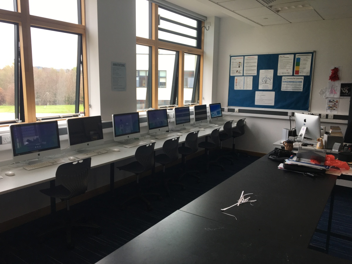 Photography Room - Midhurst Rother College - West Sussex - 4 - SchoolHire