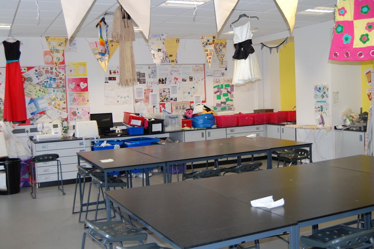 Textiles Room - Midhurst Rother College - West Sussex - 1 - SchoolHire