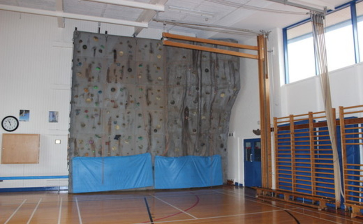 Gymnasium - SLS @ Our Ladys Catholic College - Lancashire - 2 - SchoolHire