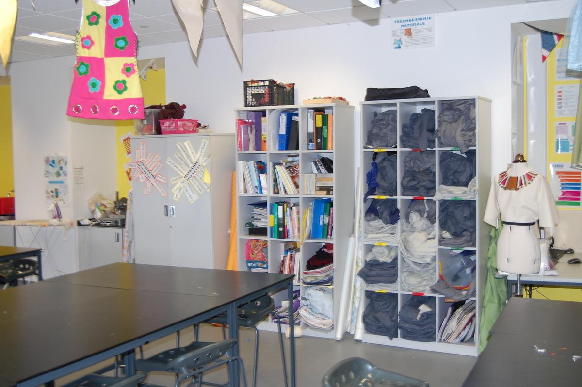 Textiles Room - Midhurst Rother College - West Sussex - 2 - SchoolHire