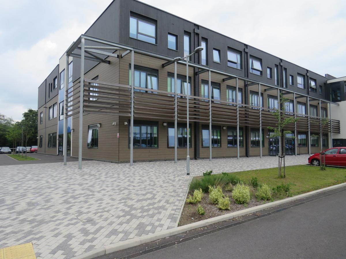Lynch Hill Enterprise Academy - Slough - 2 - SchoolHire