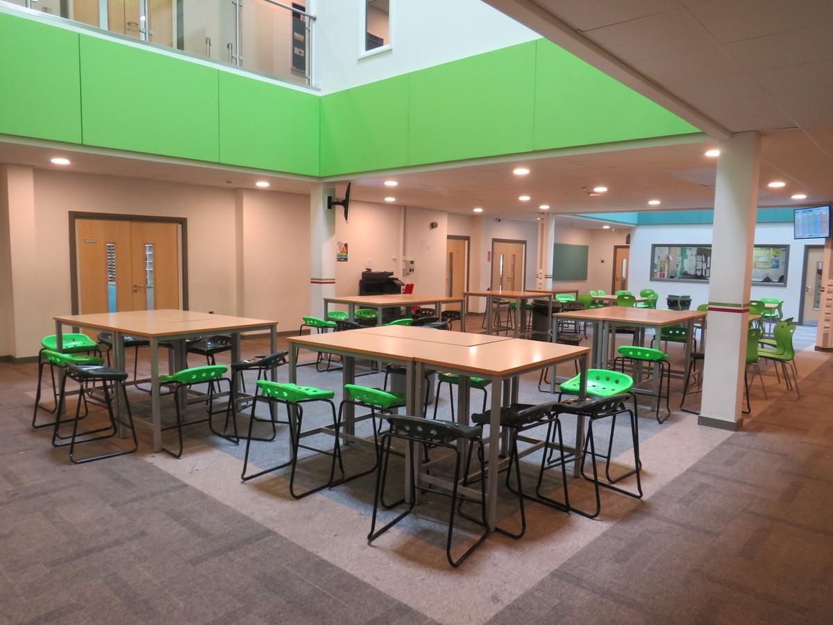 Lynch Hill Enterprise Academy - Slough - 4 - SchoolHire