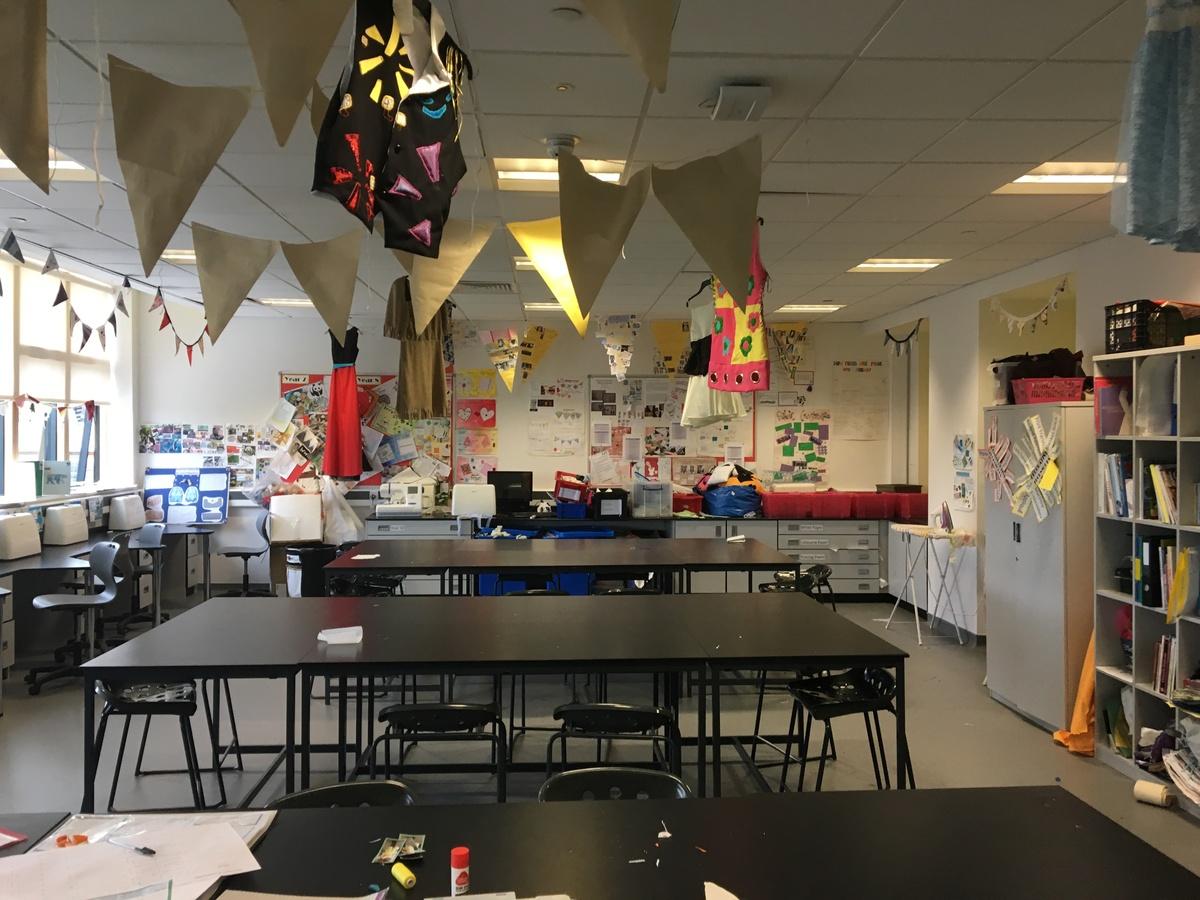 Textiles Room - Midhurst Rother College - West Sussex - 4 - SchoolHire