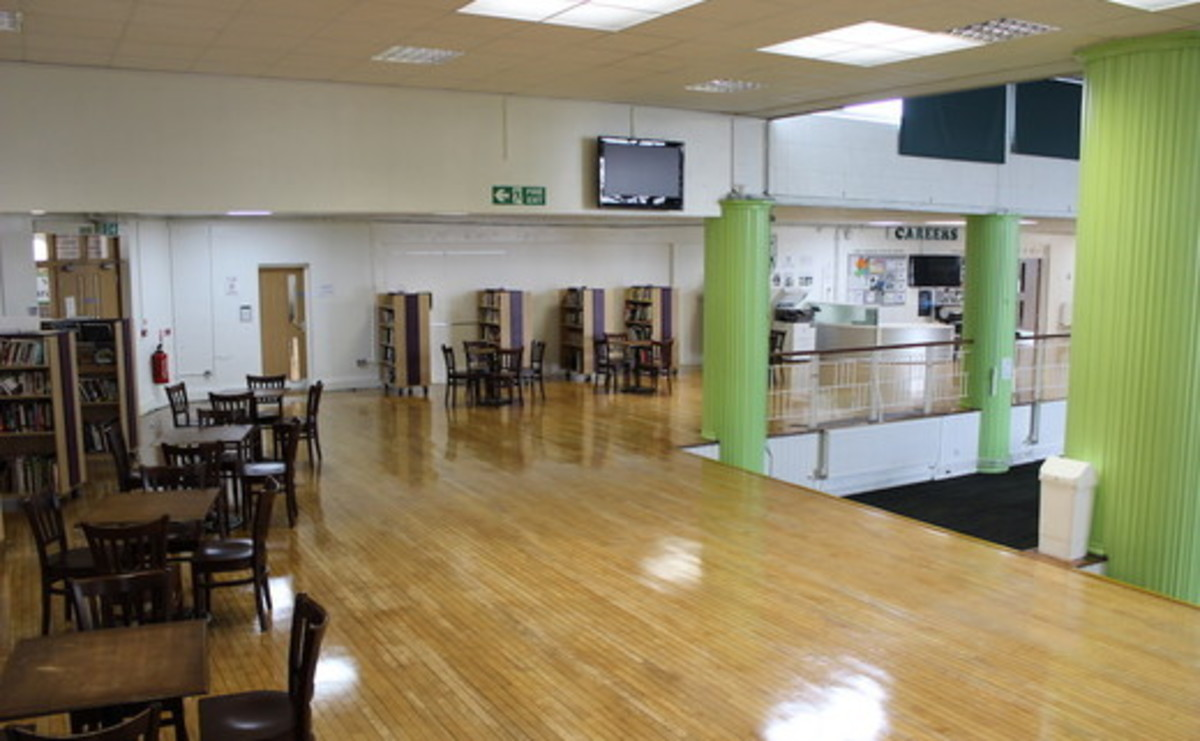 Specialist Classroom - Common Room - SLS @ Ravens Wood School - Bromley - 2 - SchoolHire
