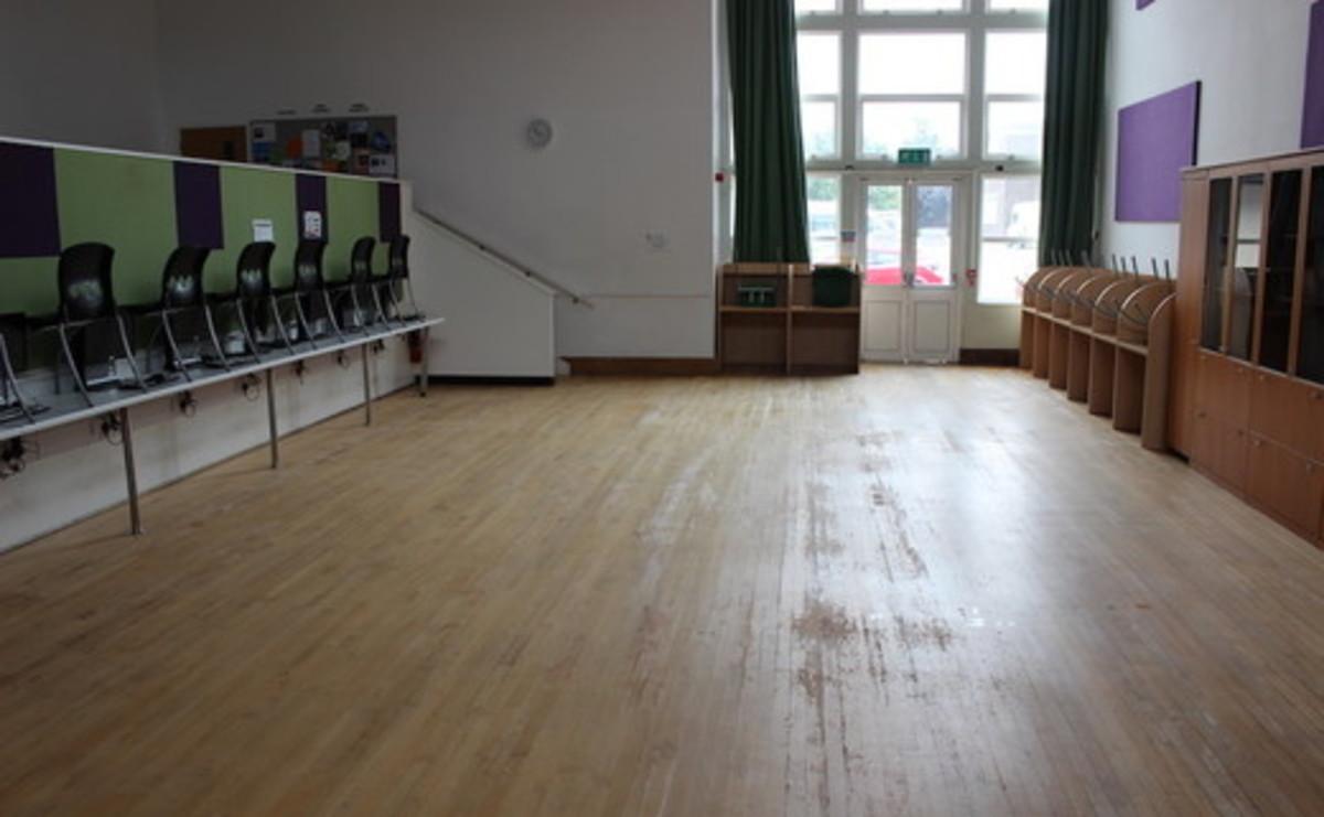 Specialist Classroom - IT Suite - SLS @ Ravens Wood School - Bromley - 1 - SchoolHire