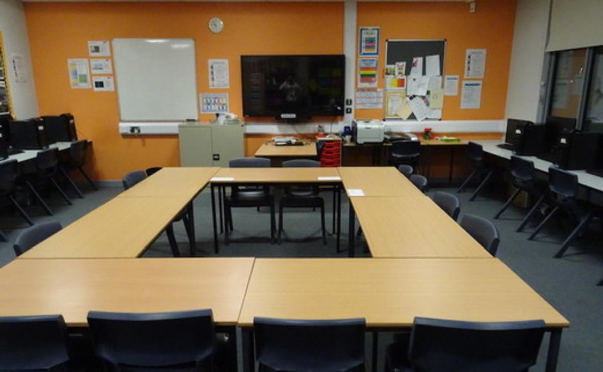 Specialist Classroom - ICT Room - SLS @ Redbridge Bank View High Schools - Liverpool - 1 - SchoolHire