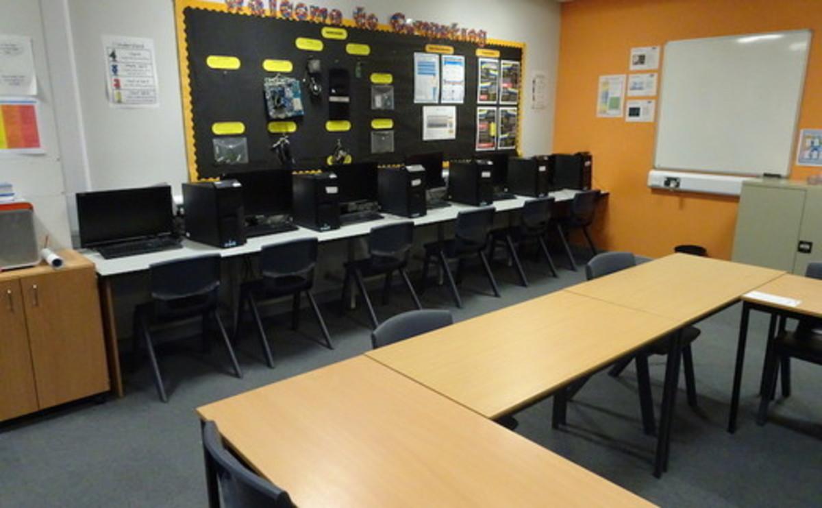 Specialist Classroom - ICT Room - SLS @ Redbridge Bank View High Schools - Liverpool - 2 - SchoolHire