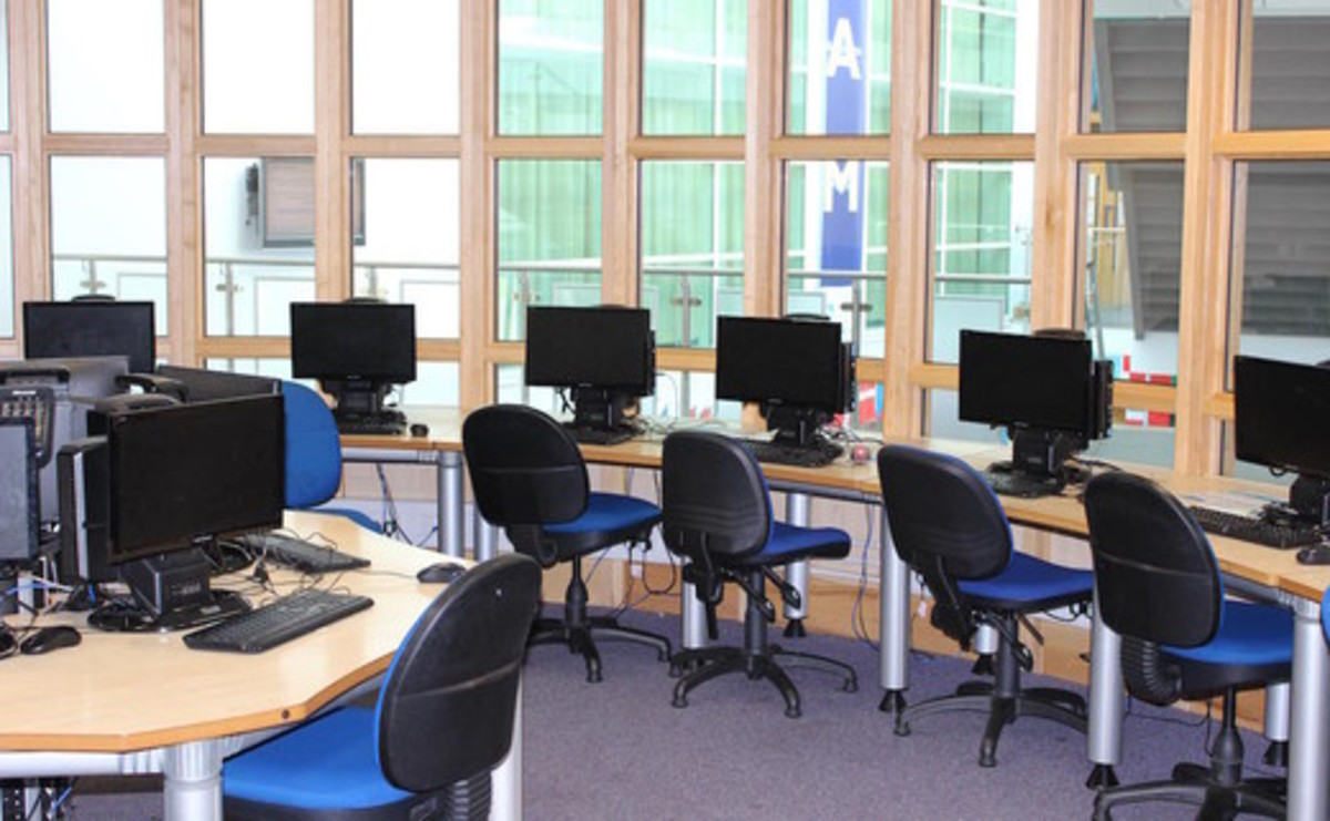 Specialist Classroom - IT Suite  - SLS @ Sheffield Park Academy - Sheffield - 1 - SchoolHire