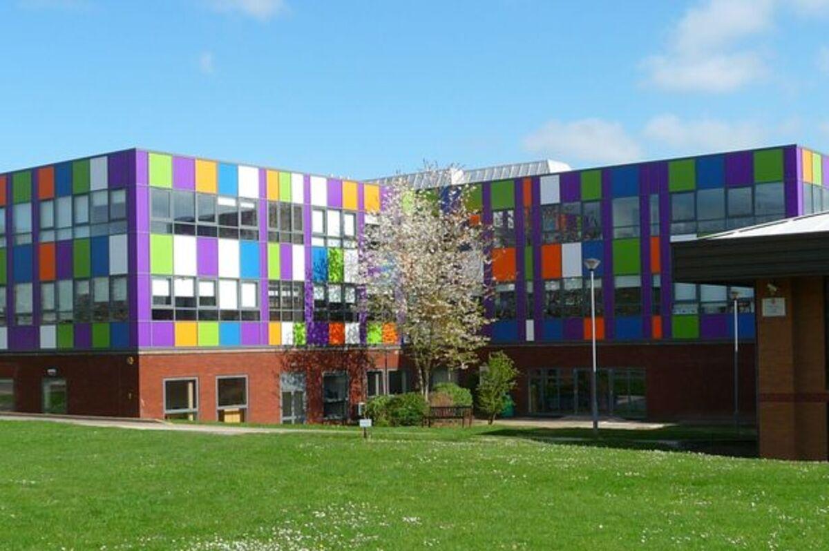 SLS @ Sixth Form College, Solihull - Birmingham - 1 - SchoolHire