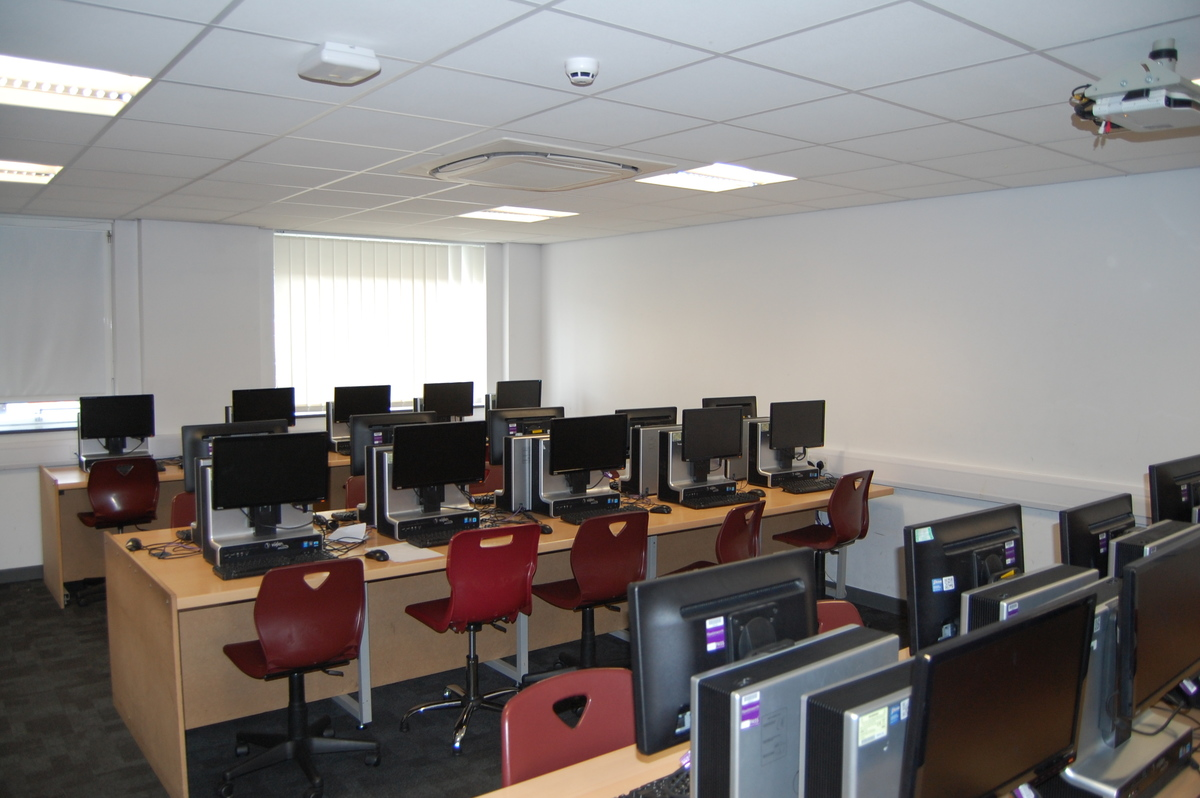IT Room 11 - AKS Lytham Independent School - Flyde - 2 - SchoolHire
