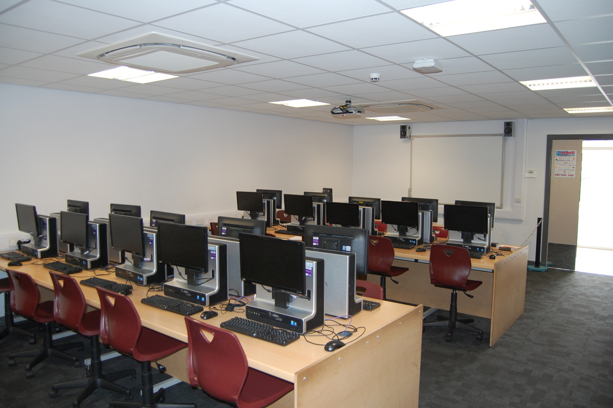 IT Room 11 - AKS Lytham Independent School - Flyde - 3 - SchoolHire