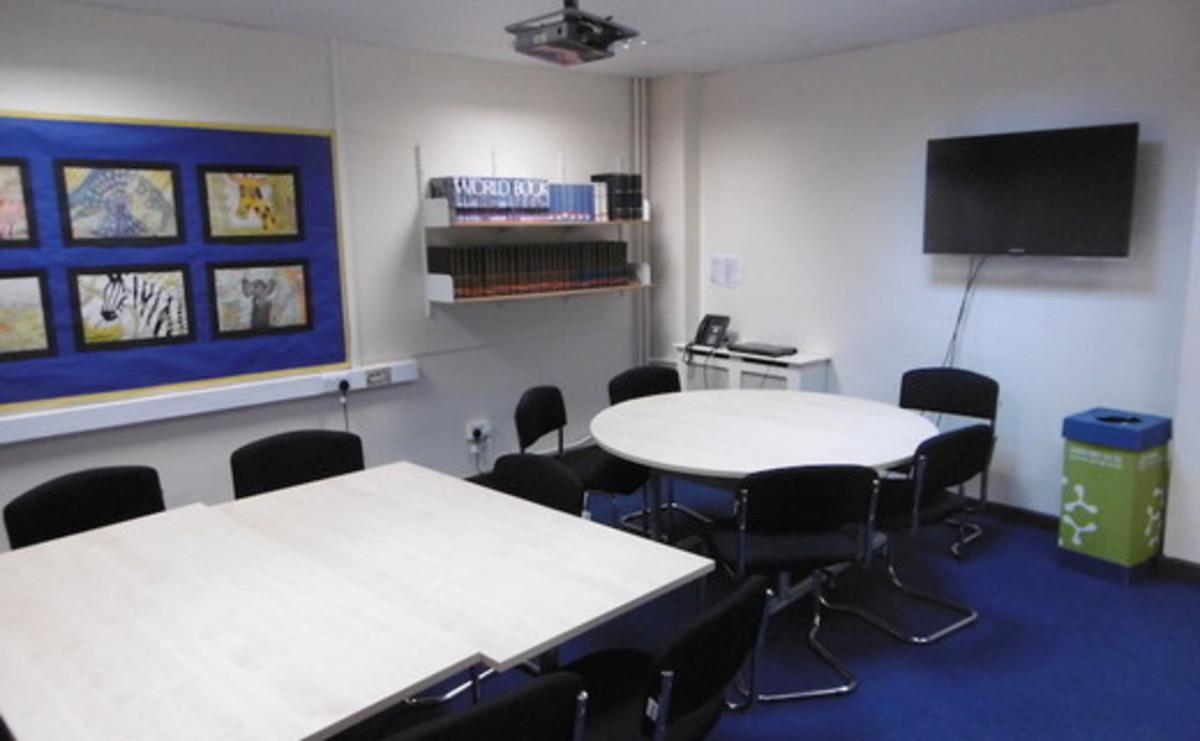 Specialist Classroom - Meeting Room - SLS @ St Albans Girls School - Hertfordshire - 1 - SchoolHire