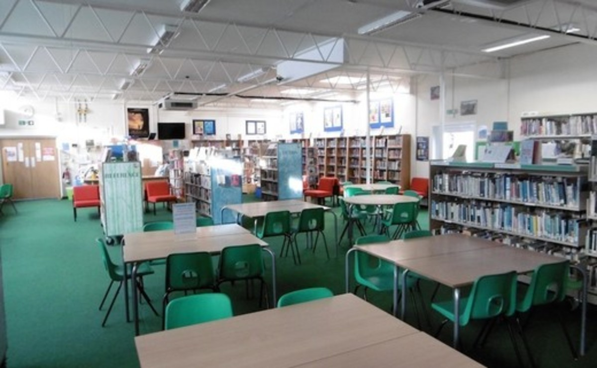 Library  - SLS @ St Albans Girls School - Hertfordshire - 1 - SchoolHire