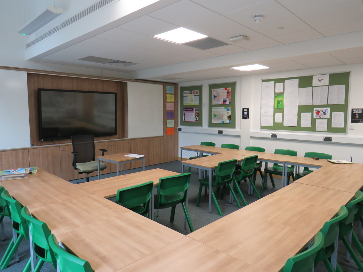 Classrooms - Chigwell School - Essex - 1 - SchoolHire