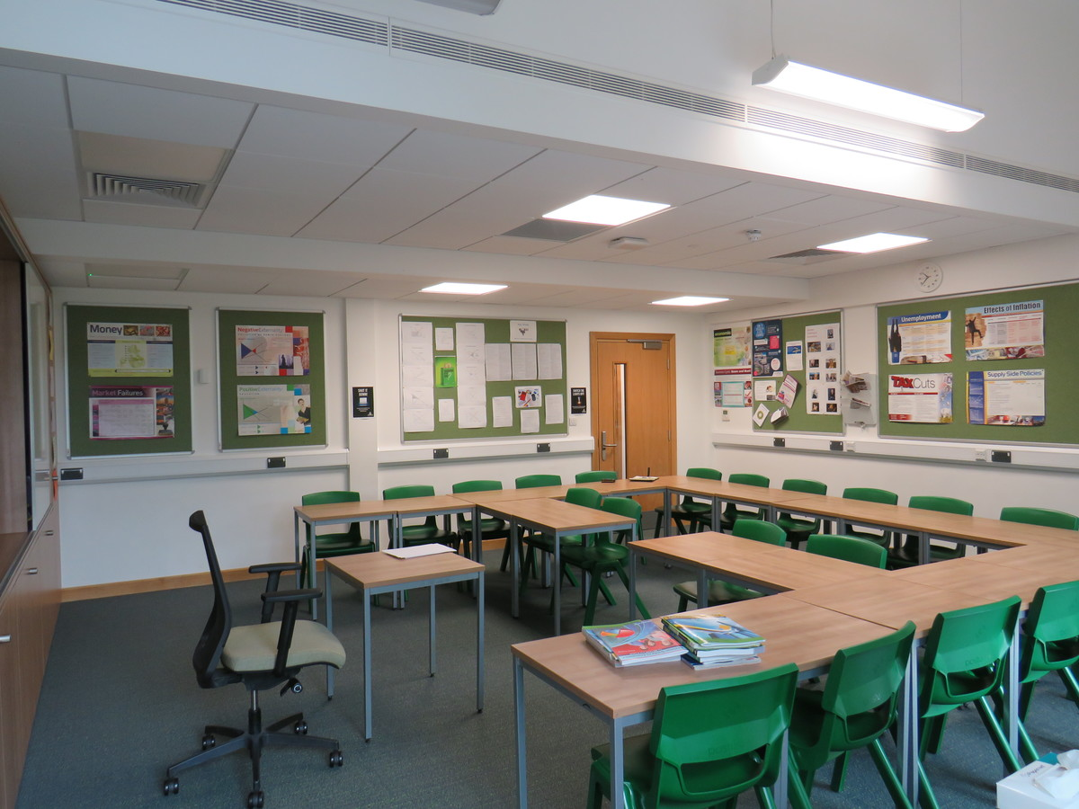 Classrooms - Chigwell School - Essex - 4 - SchoolHire