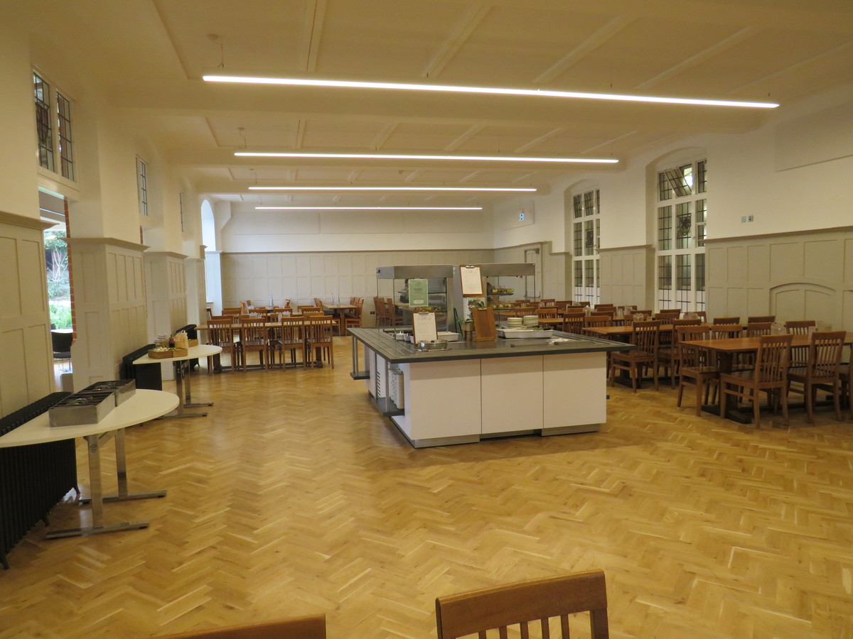Dining Hall - Chigwell School - Essex - 4 - SchoolHire
