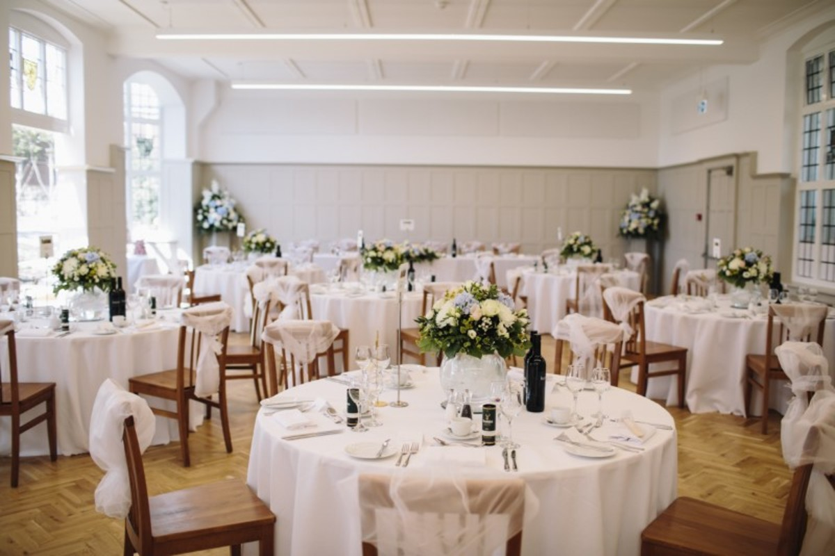 Dining Hall - Chigwell School - Essex - 1 - SchoolHire