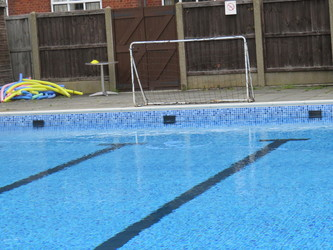 Outdoor Swimming Pool - Chigwell School - Essex - 4 - SchoolHire