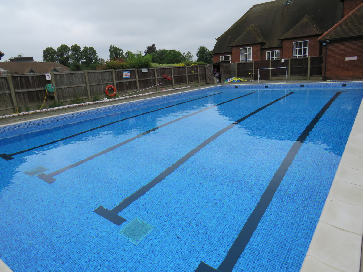 Outdoor Swimming Pool - Chigwell School - Essex - 1 - SchoolHire