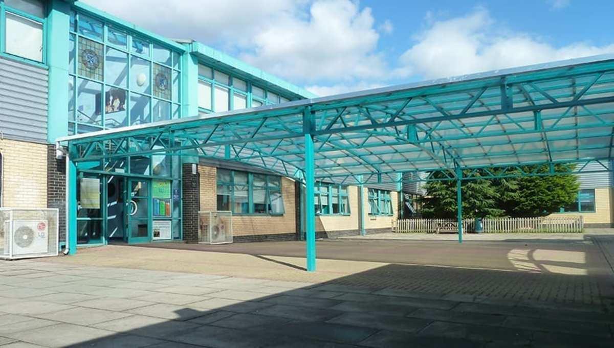 SLS @ St James Catholic High School - Barnet - 1 - SchoolHire