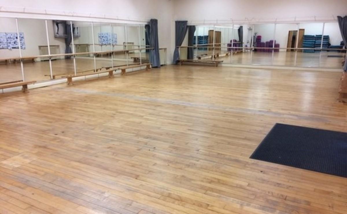 Dance Studio  - SLS @ St Edwards College - Liverpool - 2 - SchoolHire