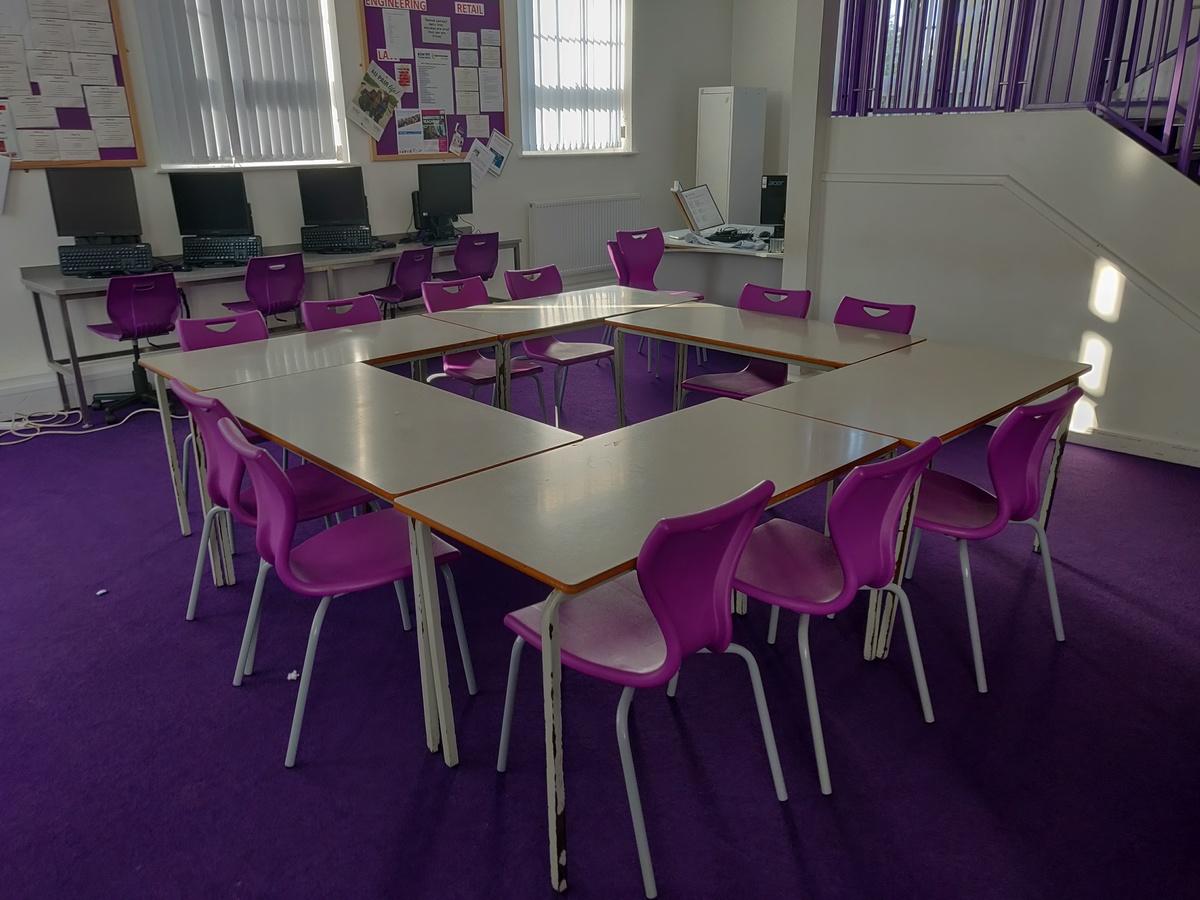 Specialist Classroom - Meeting Room - SLS @ St Edwards College - Liverpool - 2 - SchoolHire