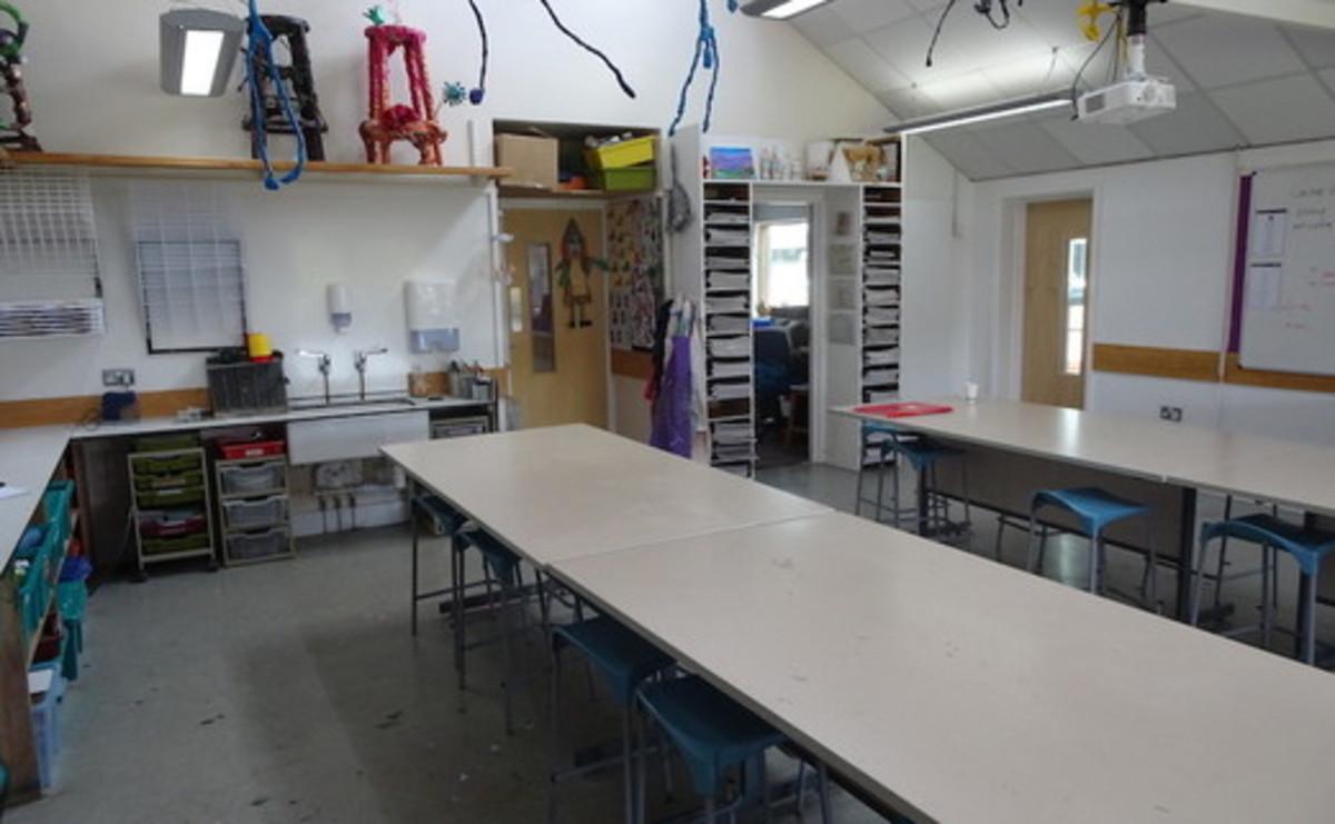 Specialist Classroom - Art Room - SLS @ St Faiths School - Cambridgeshire - 1 - SchoolHire