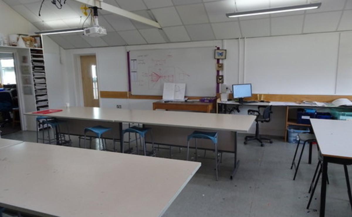 Specialist Classroom - Art Room - SLS @ St Faiths School - Cambridgeshire - 2 - SchoolHire