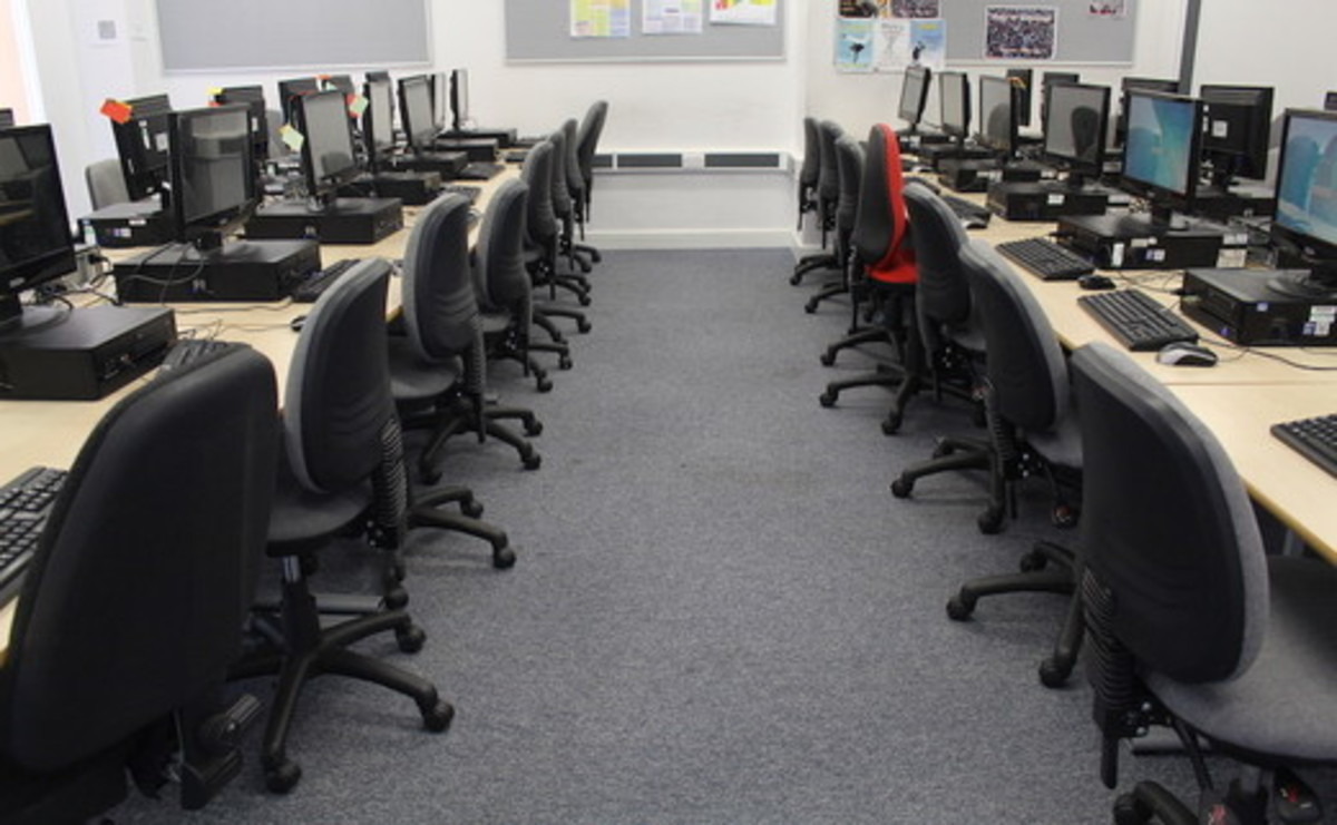IT Suite  - SLS @ St Peters Academy (Stoke) - Staffordshire - 1 - SchoolHire