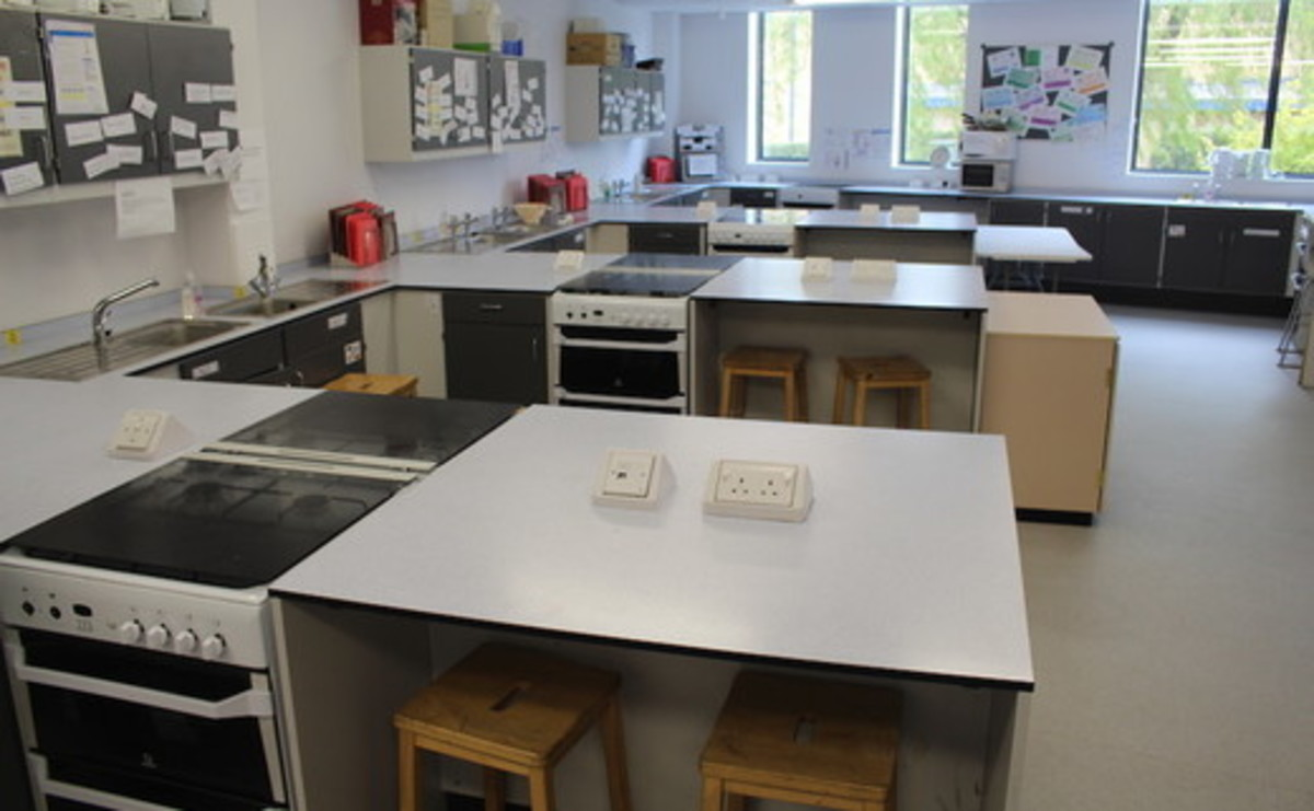 Cookery Room  - SLS @ St Peters Academy (Stoke) - Staffordshire - 1 - SchoolHire