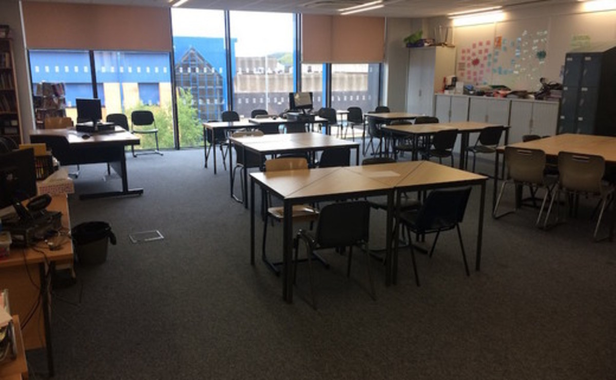 LRC/Library  - SLS @ St Peters Academy (Stoke) - Staffordshire - 1 - SchoolHire