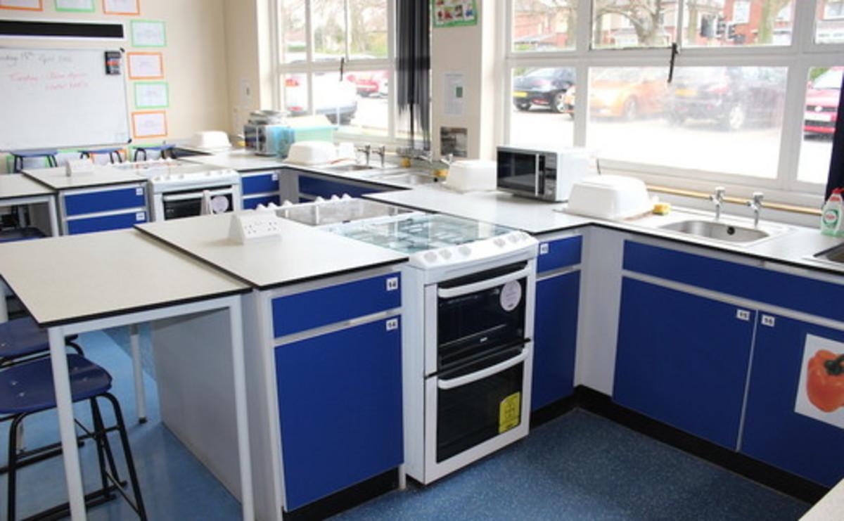 Specialist Classroom - Cookery Room - SLS @ St Pius X Catholic High School - Rotherham - 1 - SchoolHire