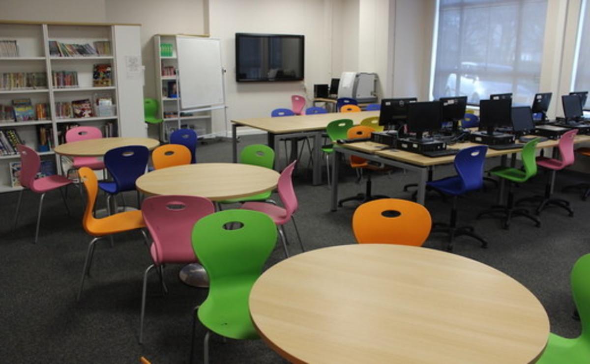 Library  - SLS @ St Pius X Catholic High School - Rotherham - 1 - SchoolHire