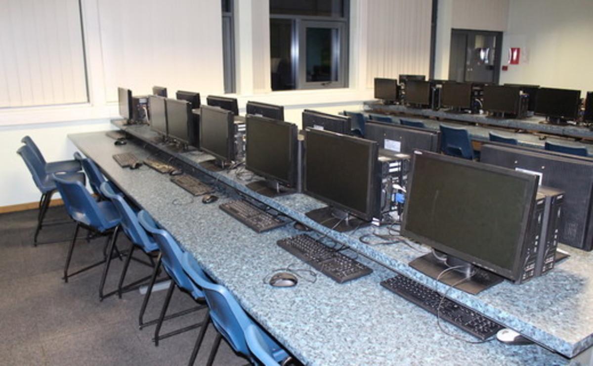 Specialist Classroom- IT Suite  - SLS @ The Hayfield School - Doncaster - 1 - SchoolHire