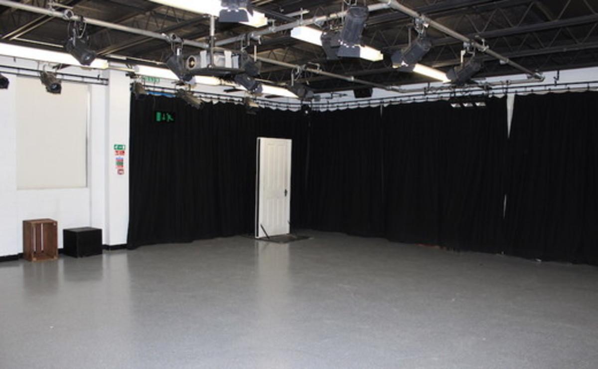 Drama Room 2 - SLS @ Sixth Form College, Solihull - Birmingham - 1 - SchoolHire