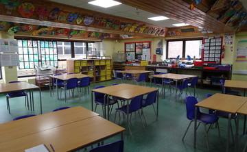 Specialist Classroom - Art Room - SLS @ Trevelyan Middle School - Windsor and Maidenhead - 1 - SchoolHire